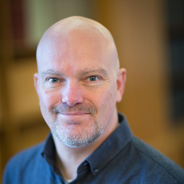 Dr Simon Cook